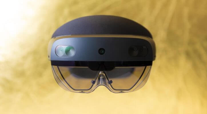 HoloLens 2 AR announced for $3,500, available to preord...